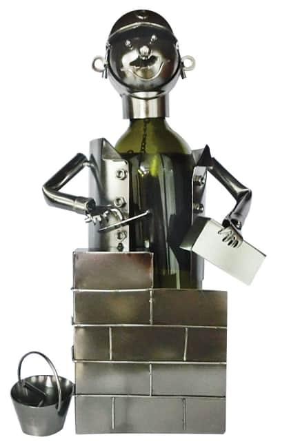 Kovový stojan na víno, motiv zedník
