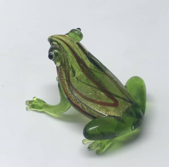 Skleněná figurka žába zelená