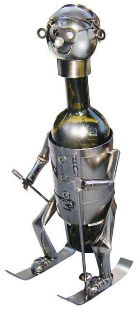 Kovový stojan na víno, motiv lyžař