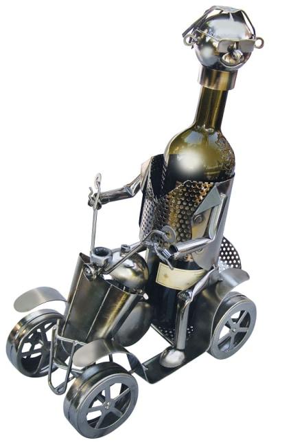 Kovový stojan na víno, motiv čtyřkolka