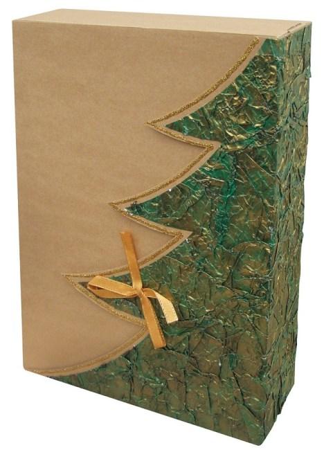 dárková krabička, barva přírodní, motiv plastický zelený strom, zlatý lem